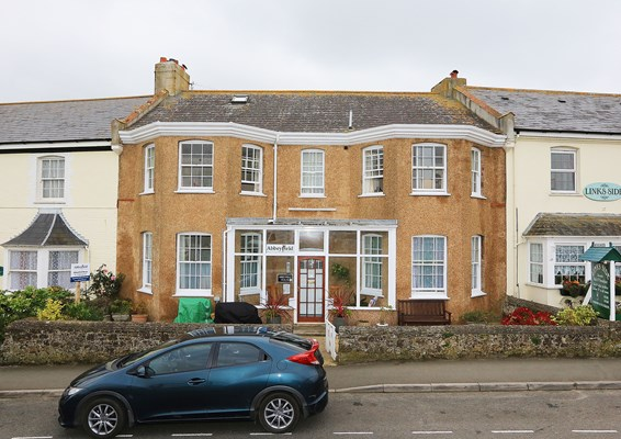 Welcome to Abbeyfield House in Bude