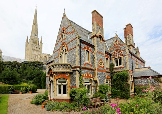Abbeyfield House, Norwich, a stunning Grade II listed home nestled in the grounds of Norwich Cathedral