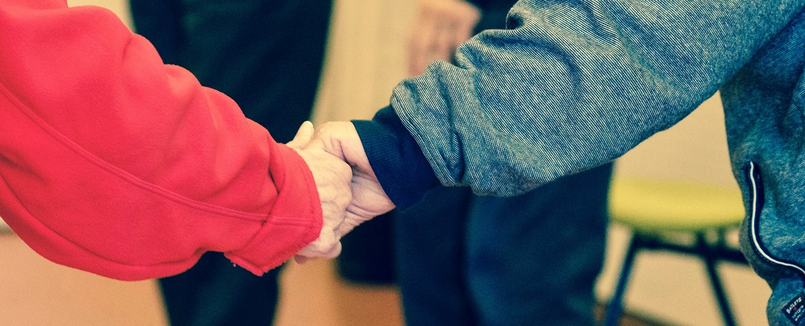 how to combat loneliness in older people