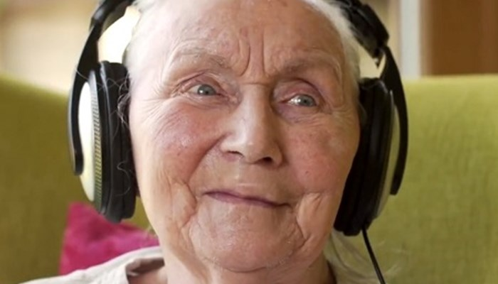 Four ways music can help people who are living with dementia
